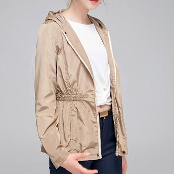 Σπορ-casual γυναικείο μπουφάν  με κουκούλα σε δύο χρώματα