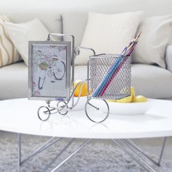 Рамка за снимка с моливник във формата на колело
