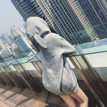 Спортно-ежедневна  дамска блуза с 3D елемент на качулката в два цвята