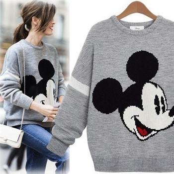 Ежедневен дамски пуловер с О-образно деколте и цветна бродерия