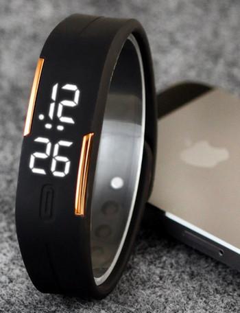 Спортен силиконов часовник в различни цветове подходящ за мъже и жени