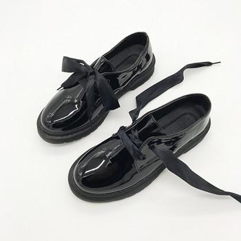 1acf4a45e17 Лачени дамски ежедневни обувки със сатенени връзки в черен цвят ...