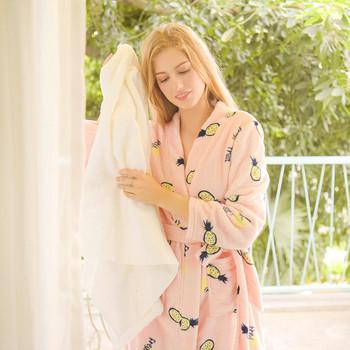 Дамски халат в розов цвят с щампа