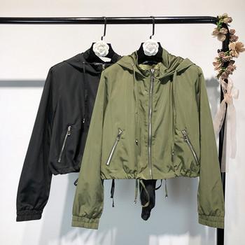Λεπτό γυναικείο μπουφάν σε πράσινο και μαύρο χρώμα με κουκούλα