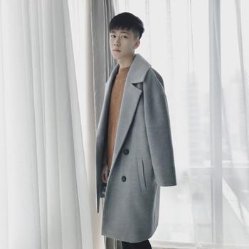 Κομψό ανδρικό παλτό με τσέπες σε μαύρο και γκρι χρώμα - Badu.gr Ο ... 3ef6a83b347