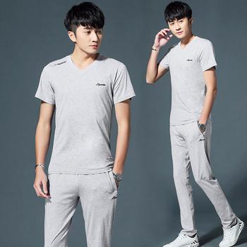 Мъжки спортен комплект в няколко цвята от две части - тениска с надпис и панталон