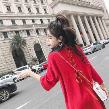 Дамска есенна рокля в червен цвят