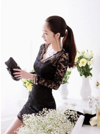 Стилна дантелена черна рокля