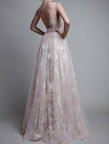 Стилна дамска дълга рокля с V-образно деколте