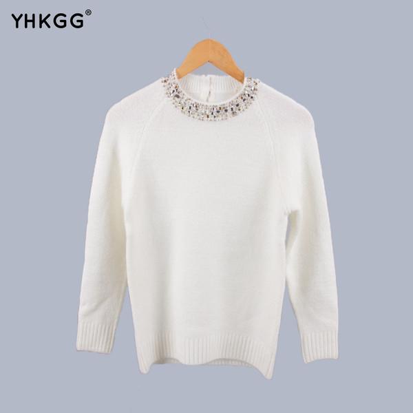 5187b87a2fe9 Κομψό γυναικείο πουλόβερ με διακοσμητικές πέτρες σε λευκό