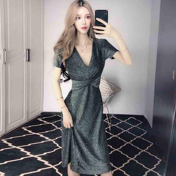 Γυναικείο κομψό φόρεμα με V-neckline - Badu.gr Ο κόσμος στα χέρια σου 47243eef80d