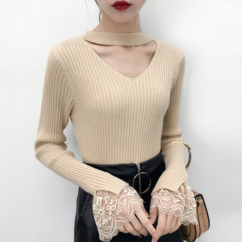 0cd6d0558e58 Μοντέρνα γυναικεία μπλούζα με ντεκολτέ σε σχήμα V και δαντέλα στα μανίκια  σε διάφορα χρώματα