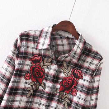 Карирана дамска риза с цветна бродерия