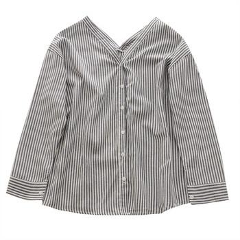 Актуална дамска раирана  риза с V-образно деколте