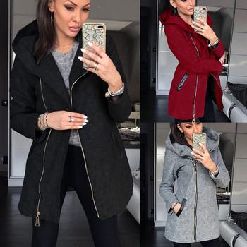 Дамски модерен суичър в три цвята с качулка