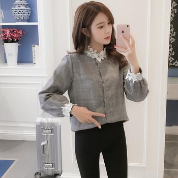Дамска модерна карирана риза с дантела