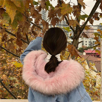 Μοντέρνο γυναικείο μπουφάν με μαλακή επένδυση και κουκούλα σε δύο χρώματα