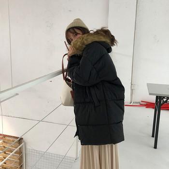 Зимно дамско дълго яке с качулка с пух в черен цвят