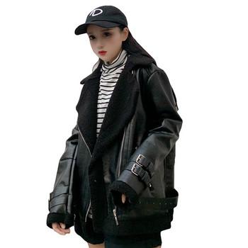 Κομψή σακάκι γυναικών - ευρύ μοτίβο σε μαύρο χρώμα