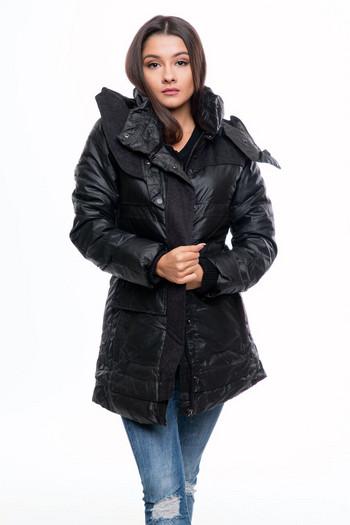 Κομψό χειμωνιάτικο γυναικείο μπουφάν  με κουκούλα σε μαύρο χρώμα