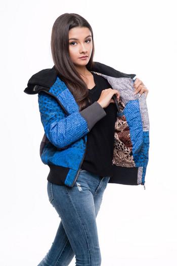 Спортно дамско яке къс модел с качулка