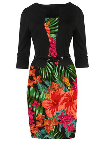 Стилна дамска рокля с 3/4 ръкав и флорални мотиви