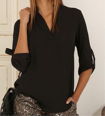 Стилна дамска риза с V-образно деколте в два цвята