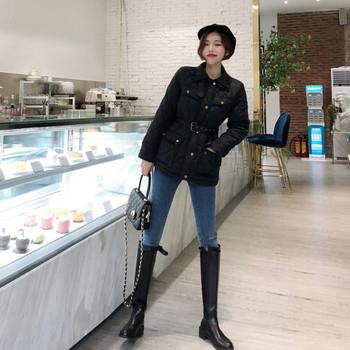 Дамско яке с колан в черен цвят
