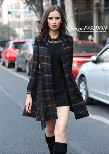 Стилно дамско карирано палто с колан