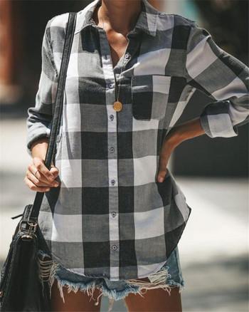 Дамска карирана риза с джоб в черно-бял цвят