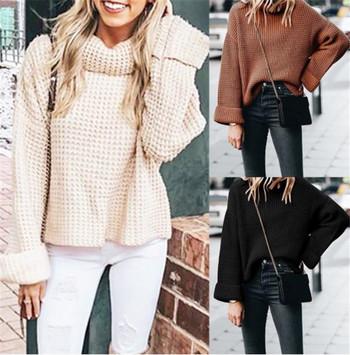 Зимен дамски пуловер с поло яка в черен,кафяв и бежов цвят