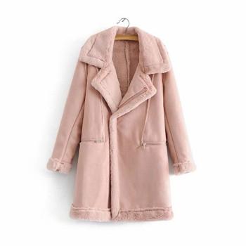 Μοντέρνο χειμερινό γυναικείο παλτό με απαλή επένδυση σε ανοιχτά χρώματα d54007dcb65