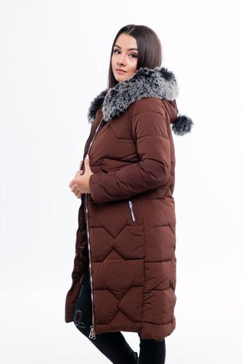 Дълго дамско яке за зимата с пух и цип на качулката в зелен, кафяв и черен цвят