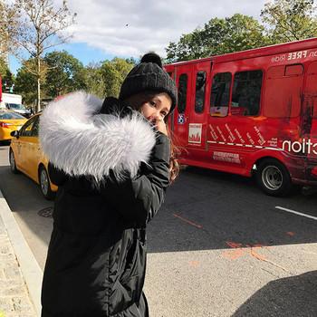 Дълго дамско зимно яке с качулка и пух в черен и сив цвят