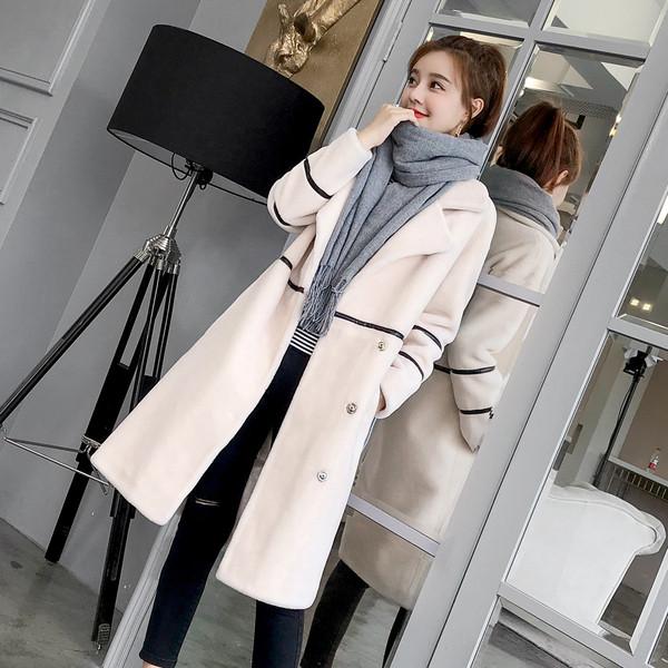 Κομψό γυναικείο παλτό μακρύ μοτίβο σε λευκό και μαύρο χρώμα - Badu.gr Ο  κόσμος στα χέρια σου b05952de725