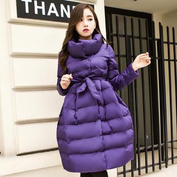 Μοντέρνο μοντέλο γυναικείου μπουφάν με ζώνη σε δύο χρώματα