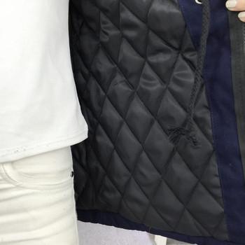 Дамско ежедневно яке в черен цвят с качулка