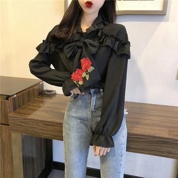 Стилна дамска риза в черен и бял цвят с бродерия