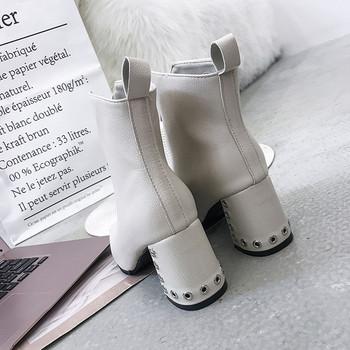Γυναικείες μπότες της μόδας σε μαύρο και άσπρο χρώμα - Badu.gr Ο ... 905997db210