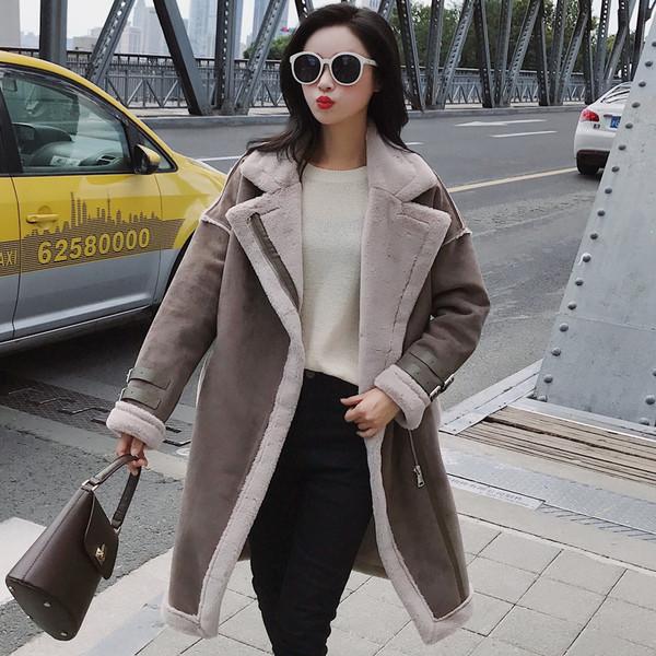 Κομψό μακρυ ανδρικό παλτό με πλαϊνό φερμουάρ σε δύο χρώματα - Badu.gr Ο κόσμος  στα χέρια σου 85a04174bf2