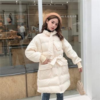 Χειμερινό  γυναικείο μπουφάν με τσέπες και κορδόνια σε μαύρο και άσπρο χρώμα
