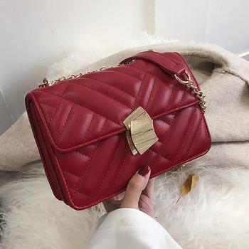 Дамска чанта от еко кожа в черен, бял и червен цвят
