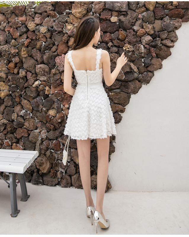 Μοντέρνο γυναικείο φόρεμα με ιμάντες σε λευκό χρώμα - Badu.gr Ο κόσμος στα χέρια  σου 8fdc4fad2be