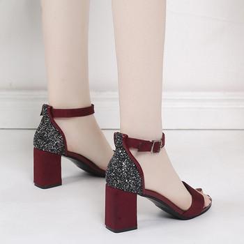Стилни дамски сандали на висок ток в два цвята