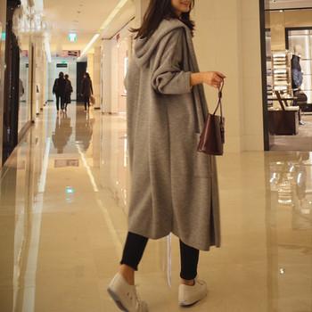 Γυναικέια μοντέρνα ζακέτα  με κουκούλα - μακρύ σχέδιο