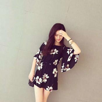 Дамска къса рокля с флорален мотив и лотос ръкав