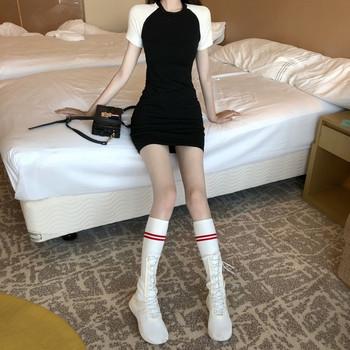 Ежедневна дамска изчистена рокля с къс ръкав в два цвята