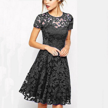 Стилна дамска дантелена рокля с къс ръкав в три цвята