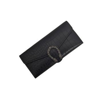 Γυναικείο πορτοφόλι με μεταλλικό στοιχείο σε τρία χρώματα