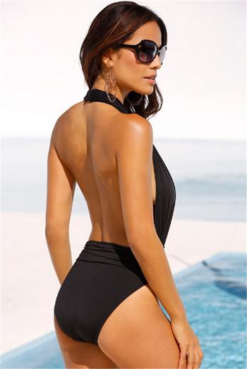Модерен цял бански костюм в черен цвят